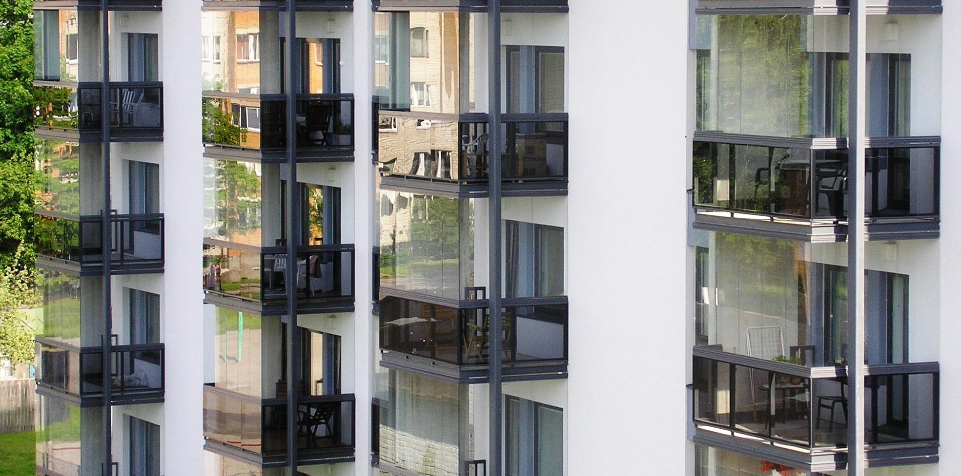 Безрамное остекление балконов лоджий и террас cover безрамно.